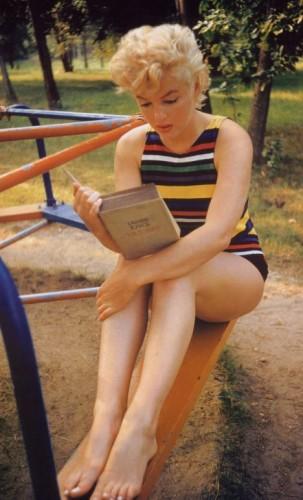 MarilynMonroe-Joyce.jpg