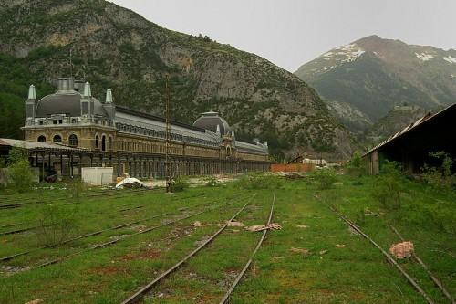 Gare Canfranc.jpg